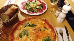pizza marghertia & carpaccio manzo diverse ansicht| 12 apostel