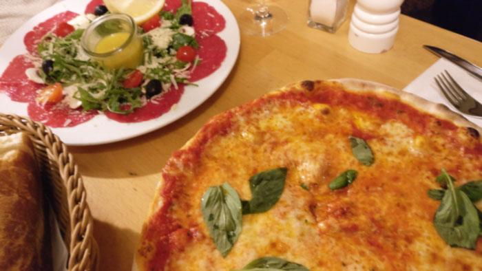 pizza marghertia & carpaccio manzo | 12 apostel