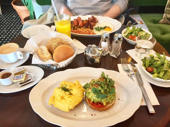 frühstücken in berlin   benedict