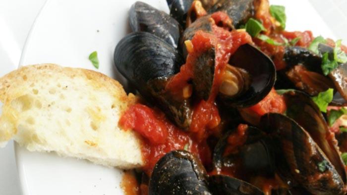 cozze alla tarantina | miesmuscheln mit tomatensauce