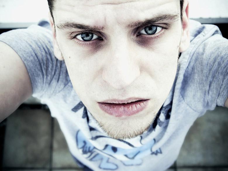 Was Tun Für Reine Haut Männer Mittel Gegen Augenringe Tränensäcke