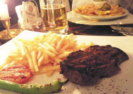 la_batea_suedamerikanische_spezialitaeten_steak