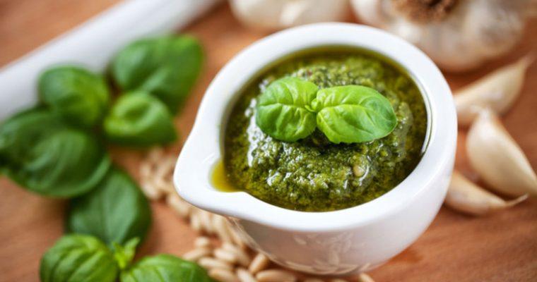 Pesto selber machen – So gelingt das grüne Pesto DIY